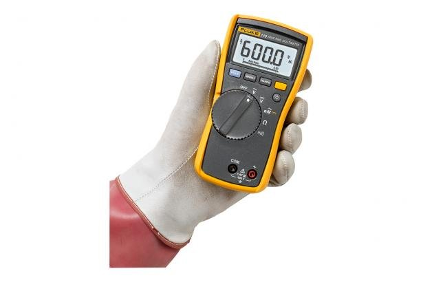 Fluke 110 True-rms Digital Multimeter easily fits in your hand